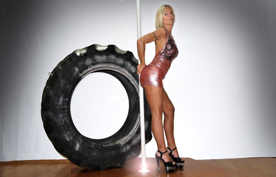 Cristina Cortese Pole Dance Torino for Ilian Rachov